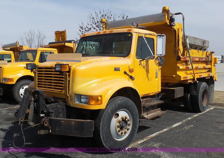 Vehicles and Equipment Auction in Blue Rapids, Kansas by