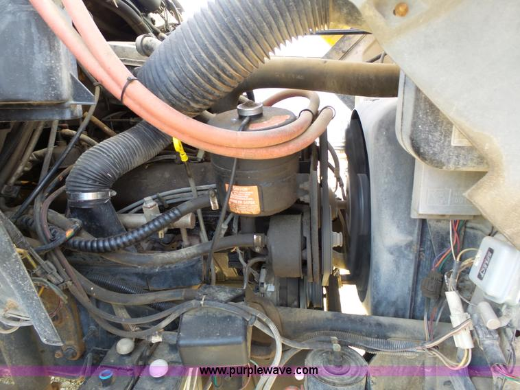 l3666 image for item l3666 1988 ford f700 bucket truck