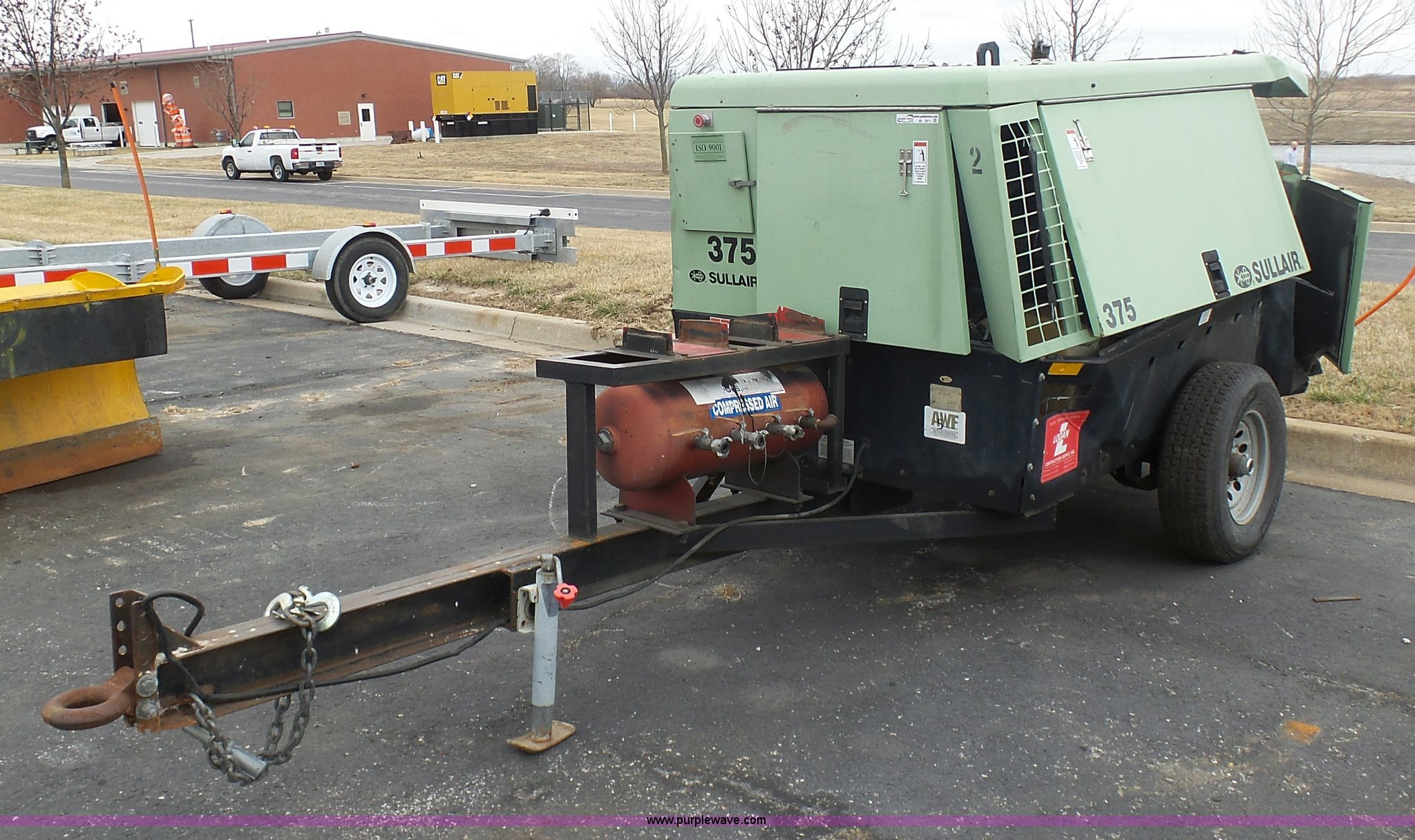 BI9211 image for item BI9211 Sullair 375 air compressor