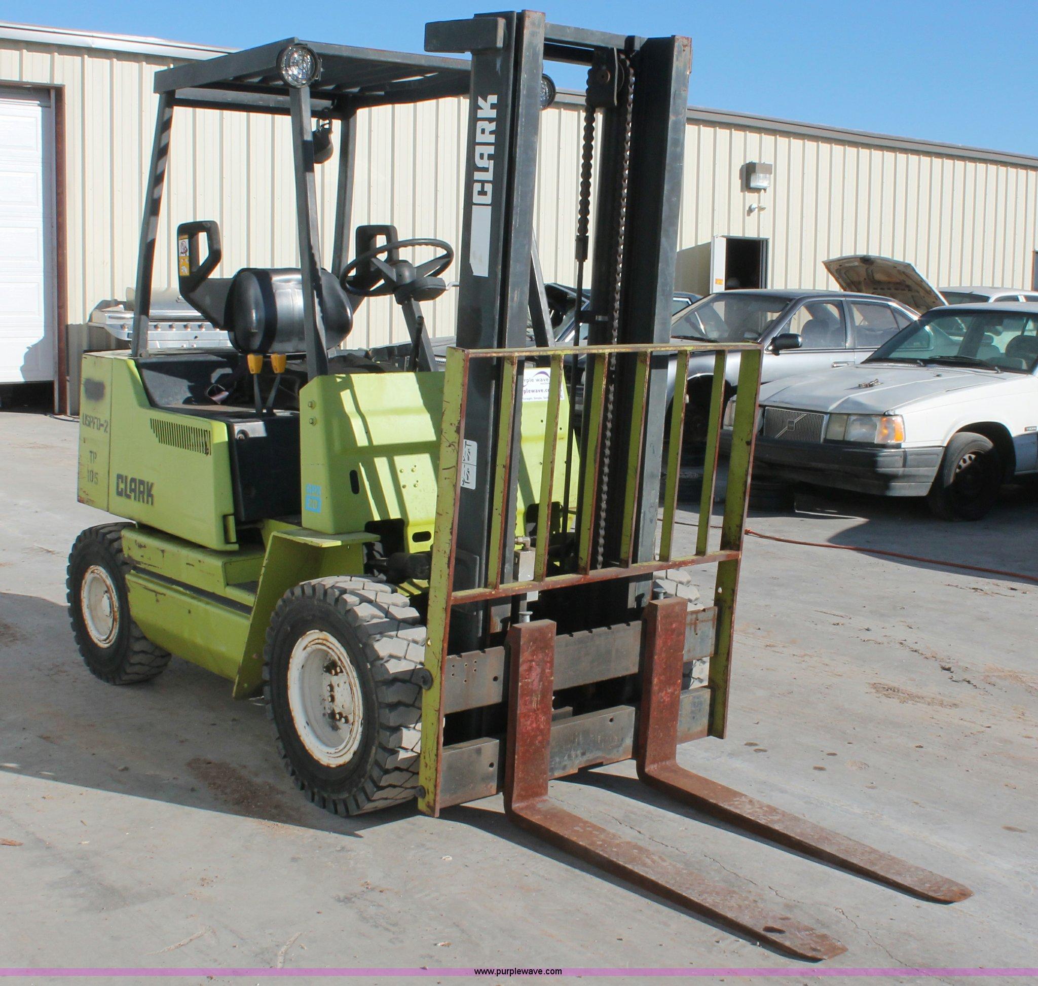 Clark GPX20 forklift in Norman, OK | Item L6841 sold ...