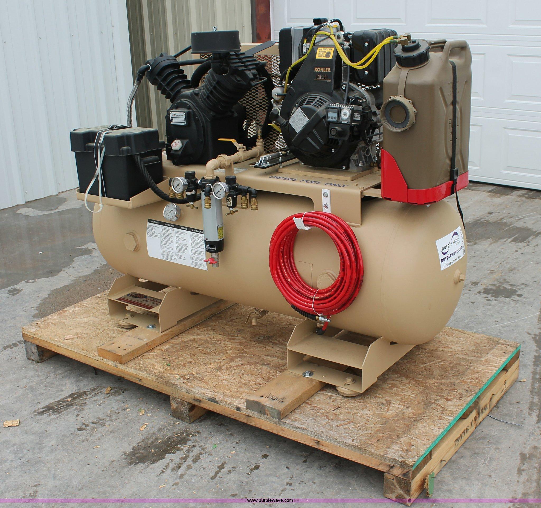 L6842 image for item L6842 Ingersoll Rand 2475 air compressor