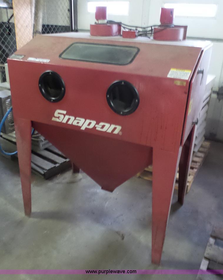 1999 Snap-on YA436 sand blast cabinet | Item BF9057 | SOLD! ...