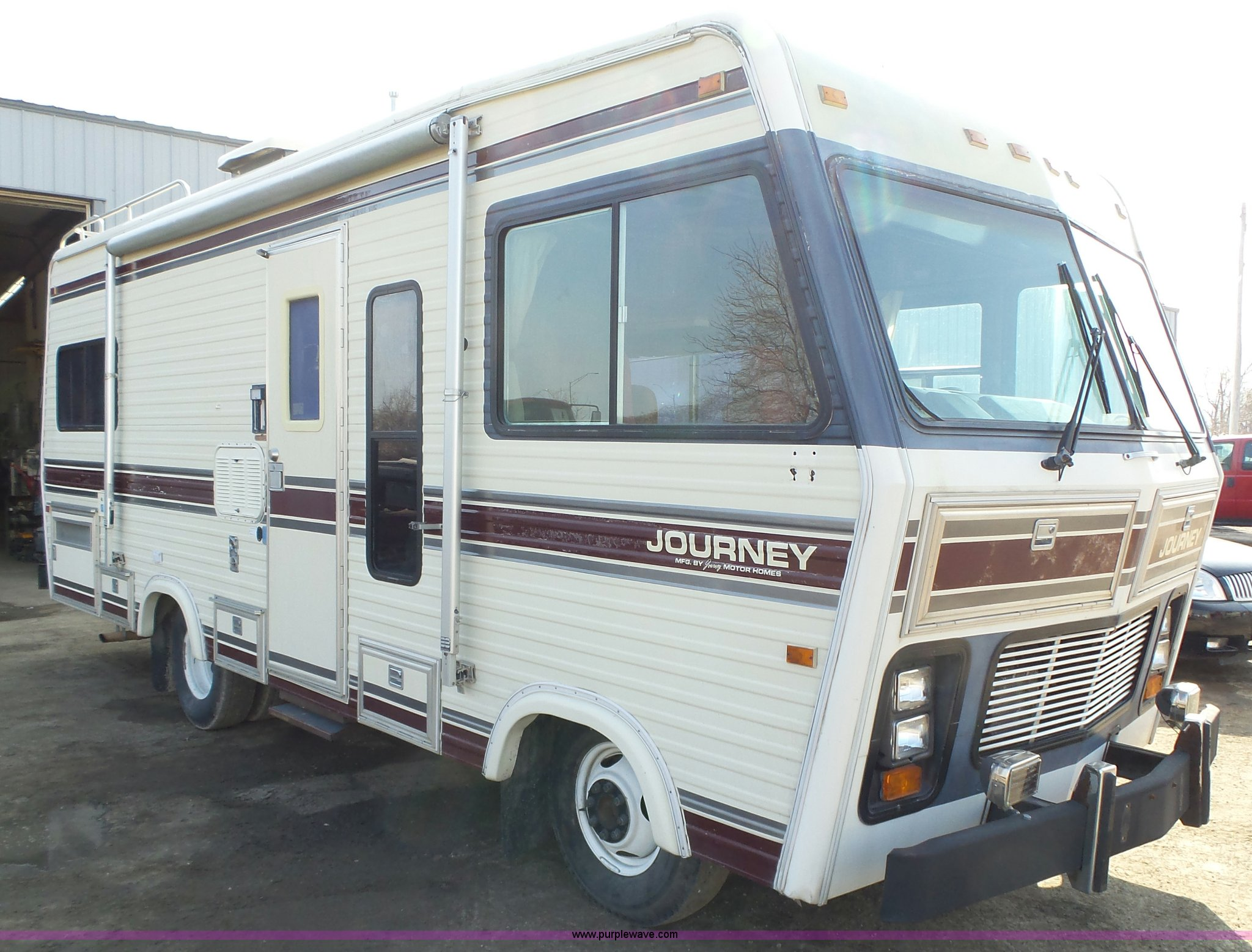 1985 Chevrolet Journey P30 RV | Item L5585 | SOLD! April 6 V