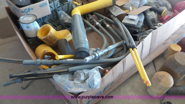 Assorted gas pipe and gas fittings | Item BF9004 | SOLD! Apr
