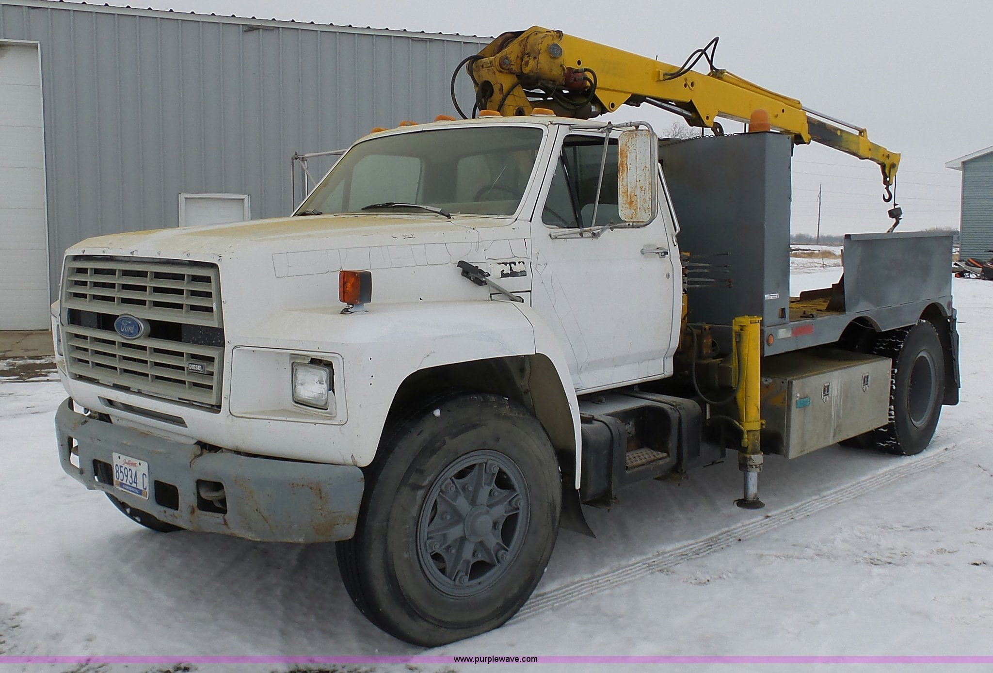 BH9440 image for item BH9440 1988 Ford F700 service truck ...