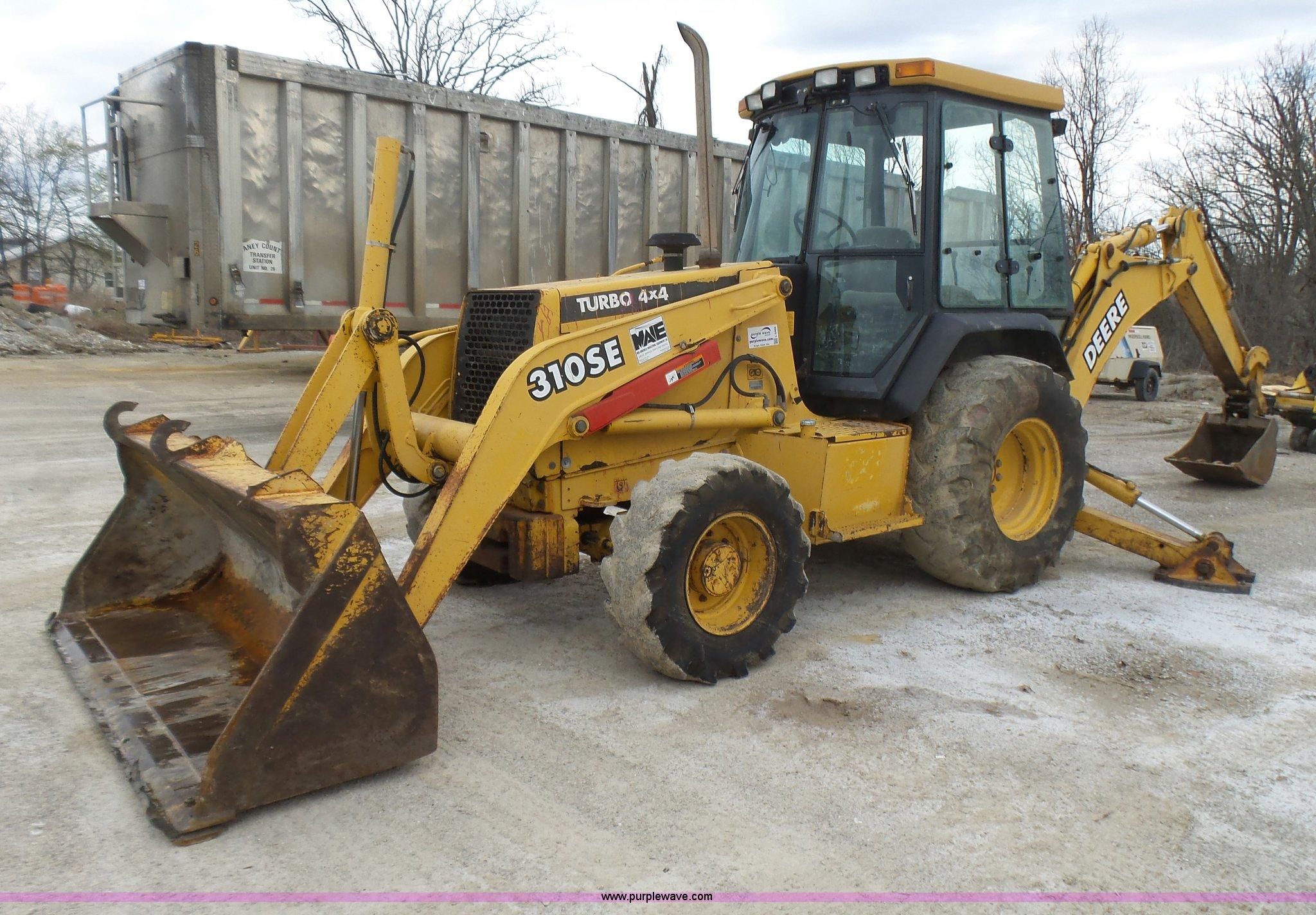 L5465 image for item L5465 1999 John Deere 310SE backhoe