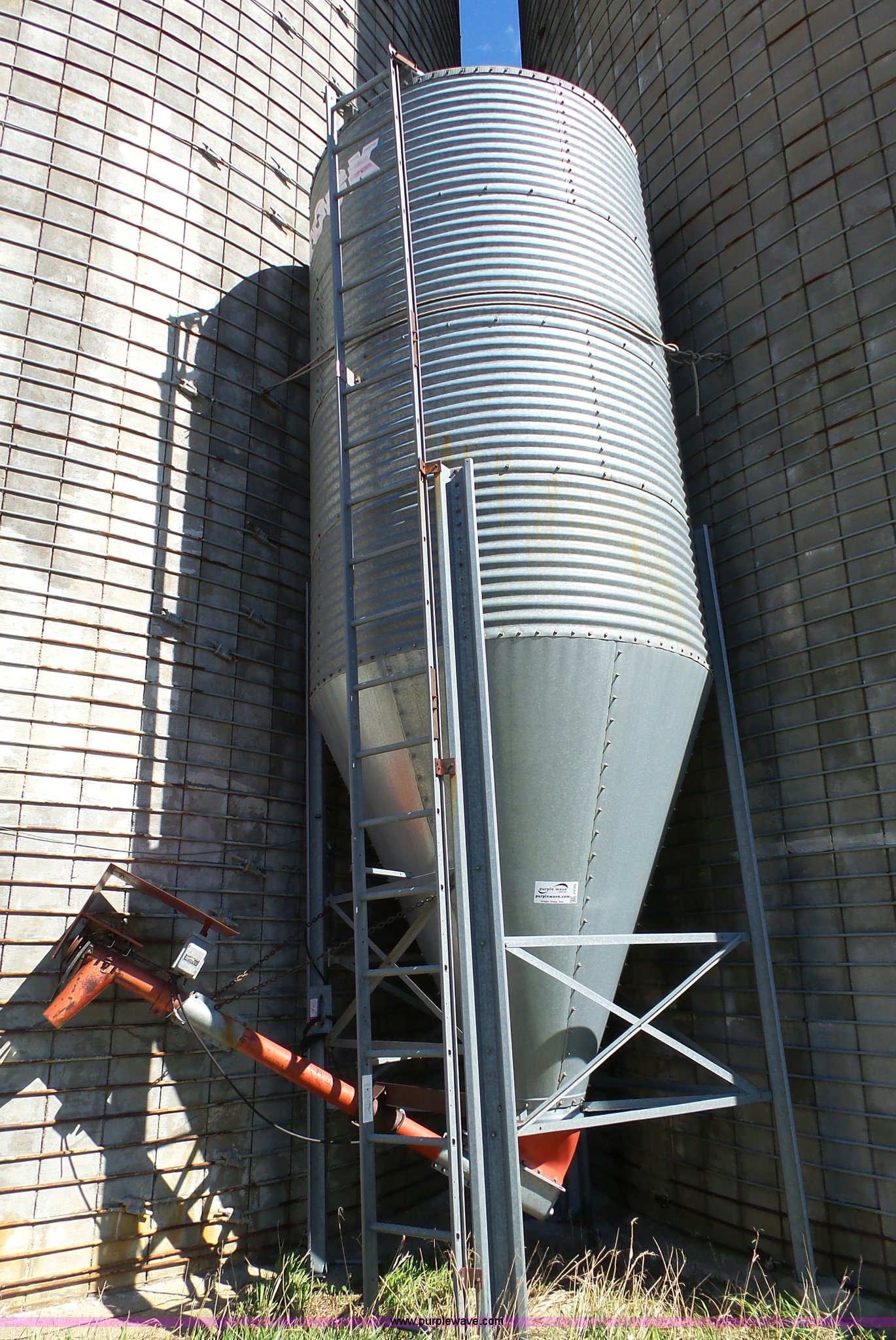 Brooke feed cone hopper bin | Item J4165 | SOLD! April 27 Ag