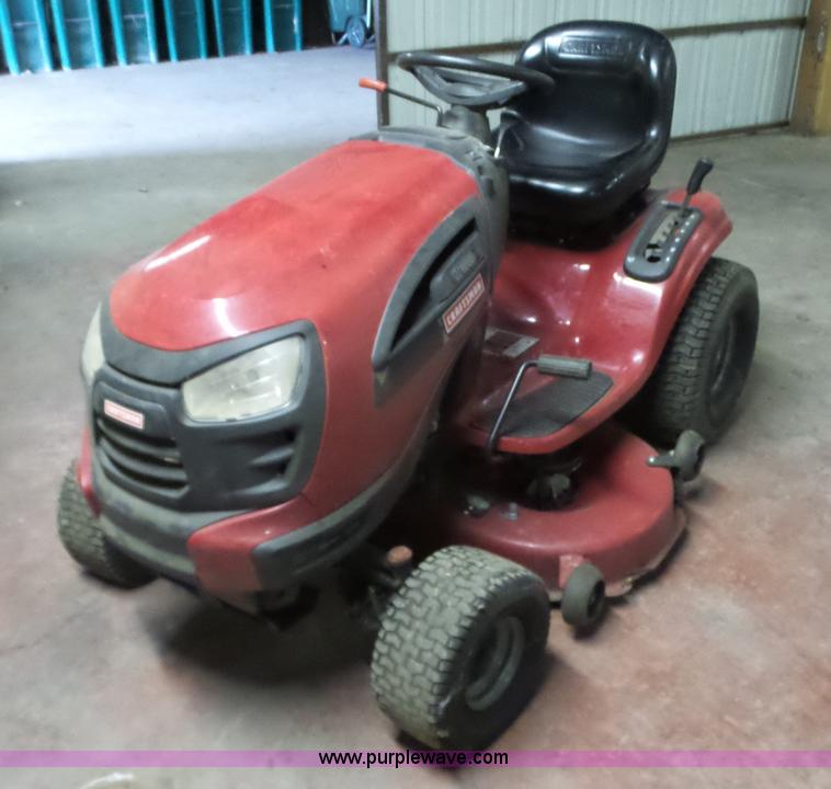 Craftsman YT3000 lawn mower | Item BL9567 selling at Tuesday