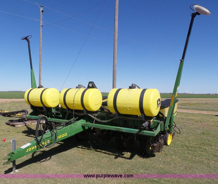 John Deere 7200 Planter Item J6130 Sold May 11 Ag Equip