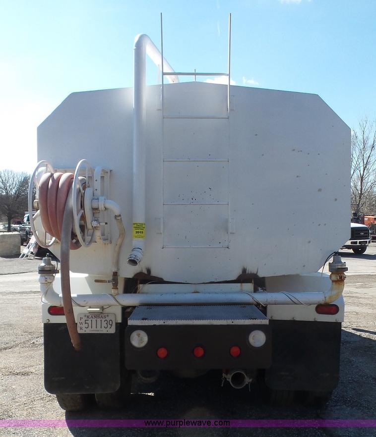 2006 International DuraStar 4300 water truck   Item K5110  