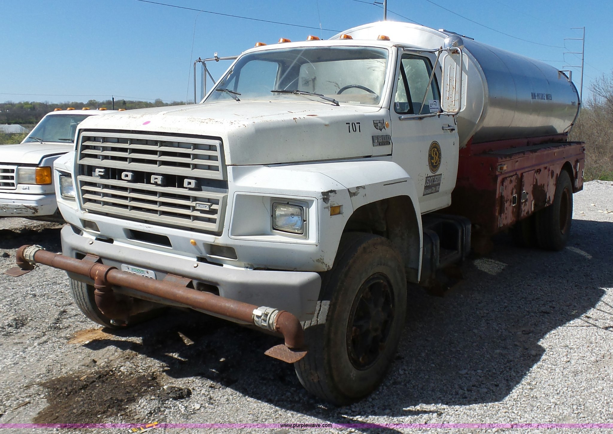 L3167 image for item L3167 1987 Ford F800 ...