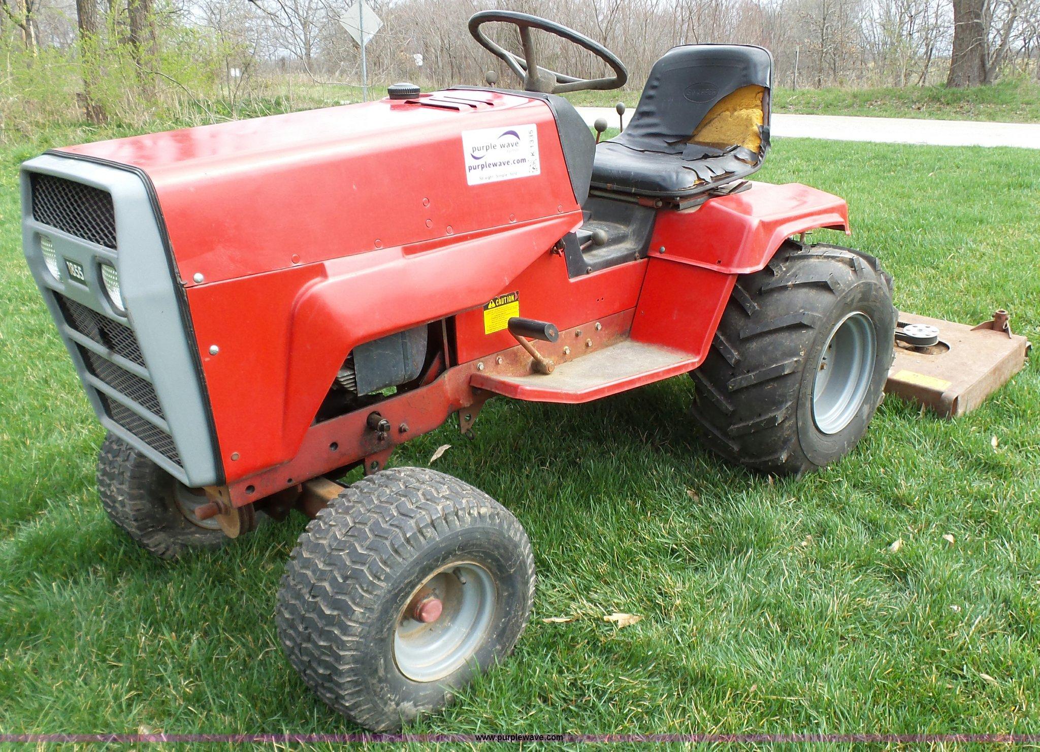 K1335 image for item K1335 Snapper Massey-Ferguson 1855 lawn mower