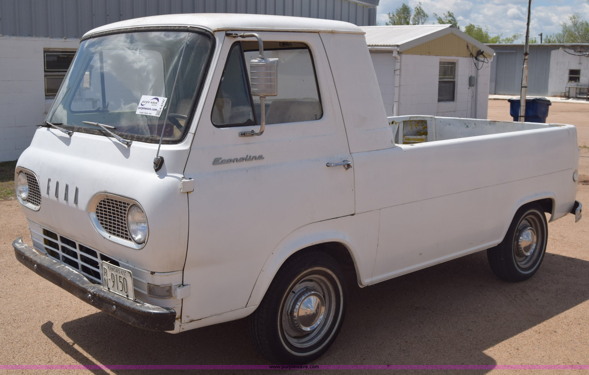 K6747 image for item K6747 1963 Ford Econoline E100 van
