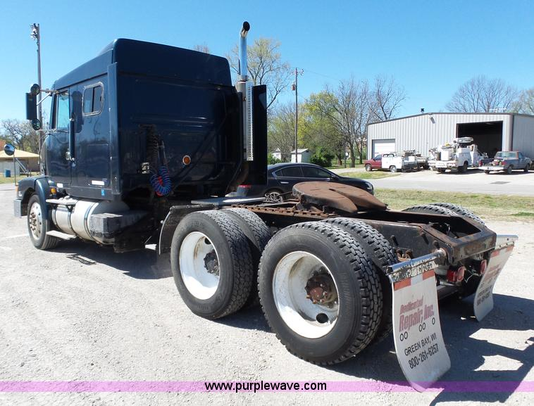 1995 volvo wia semi truck item l6321 sold may 19 truck rh purplewave com Truck Semi 1995 Axle Volvosingle Truck Semi 1995 Axle Volvosingle