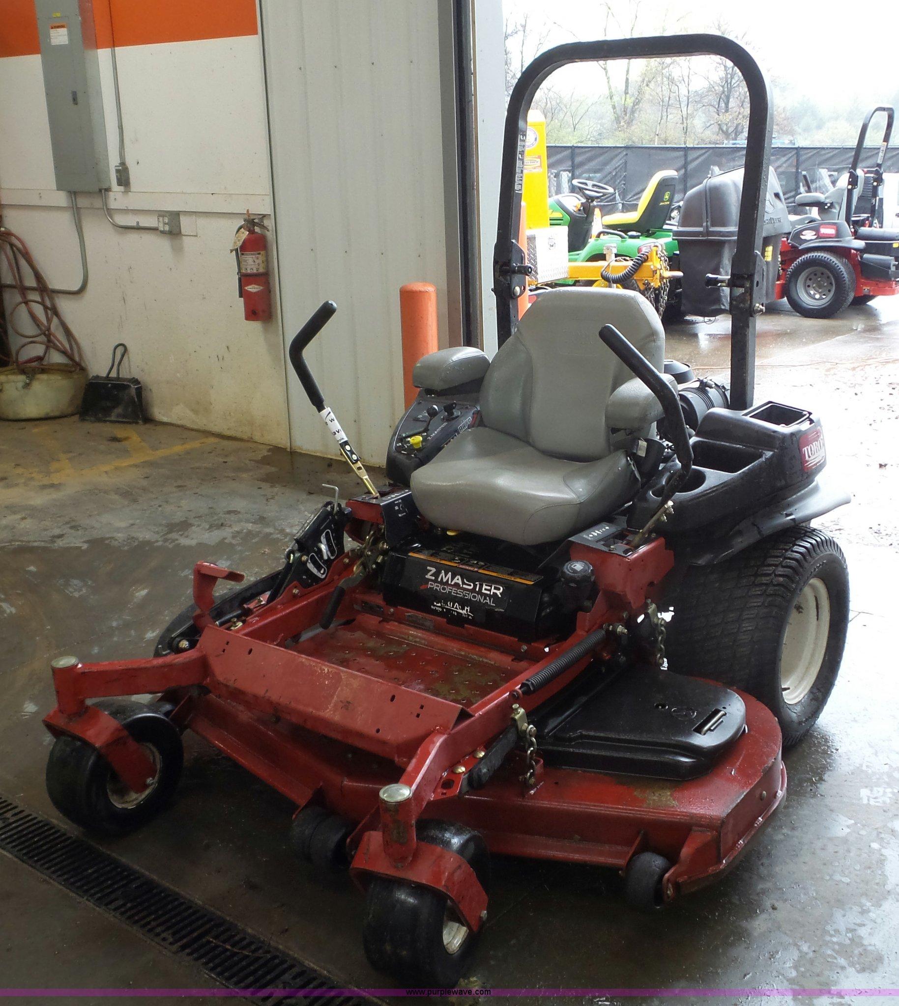 Toro Z-Master Professional ZTR lawn mower | Item K4647 | SOL