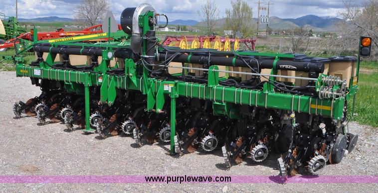 Ag Equipment Auction In Osawatomie Kansas By Purple Wave Auction