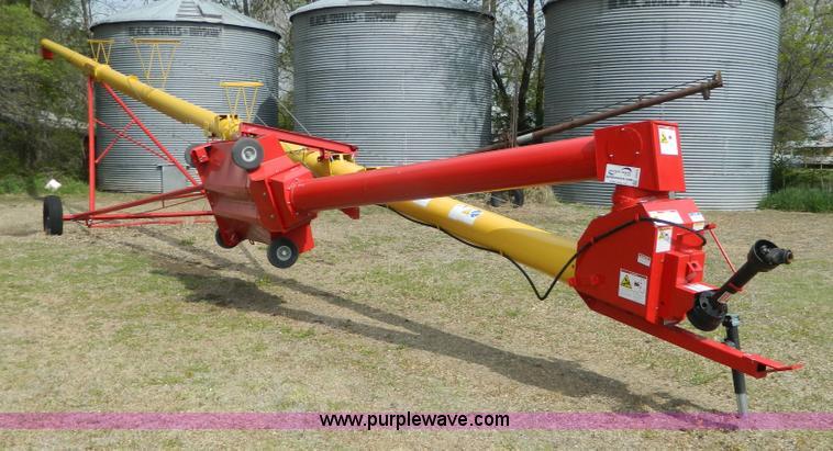 Westfield MK100-71 grain auger | Item J8975 | SOLD! May 25 A