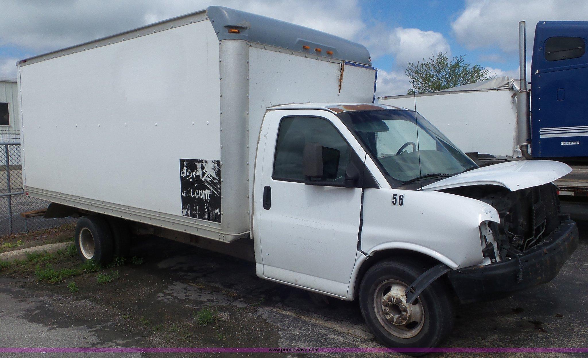 2005 Gmc Savana G3500 Box Truck Item L2153 Sold June 1