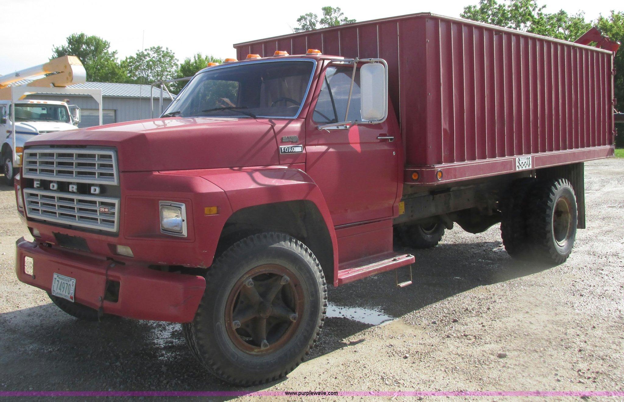 1980 ford grain truck item k4704 sold june 29 ag equipm rh purplewave com 1969 Ford Dump Truck Ford Farm Truck