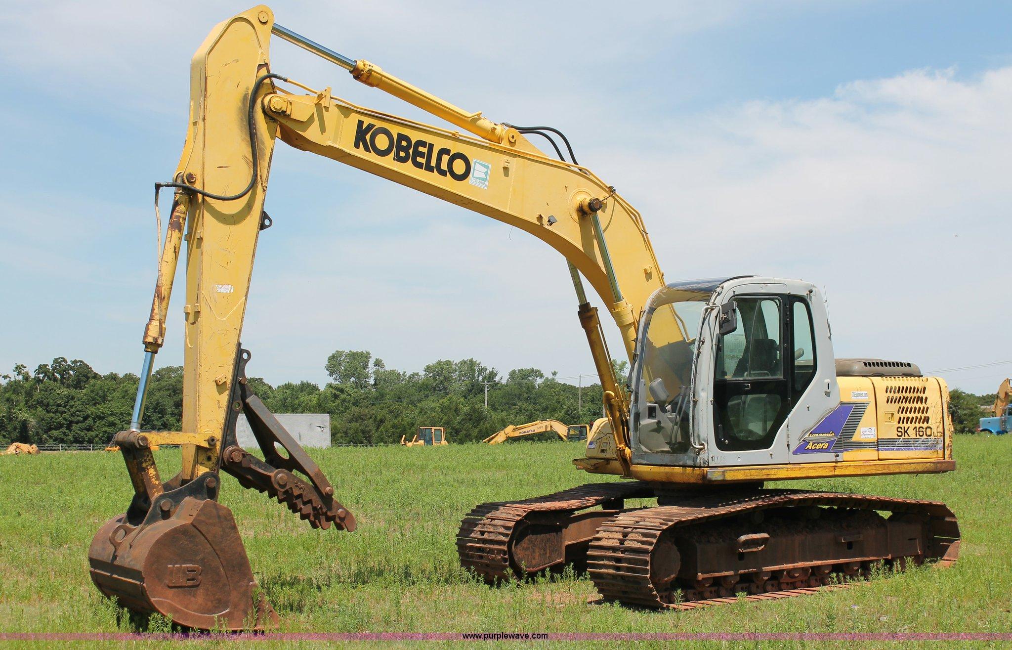 K8805 image for item K8805 2005 Kobelco SK160LC excavator