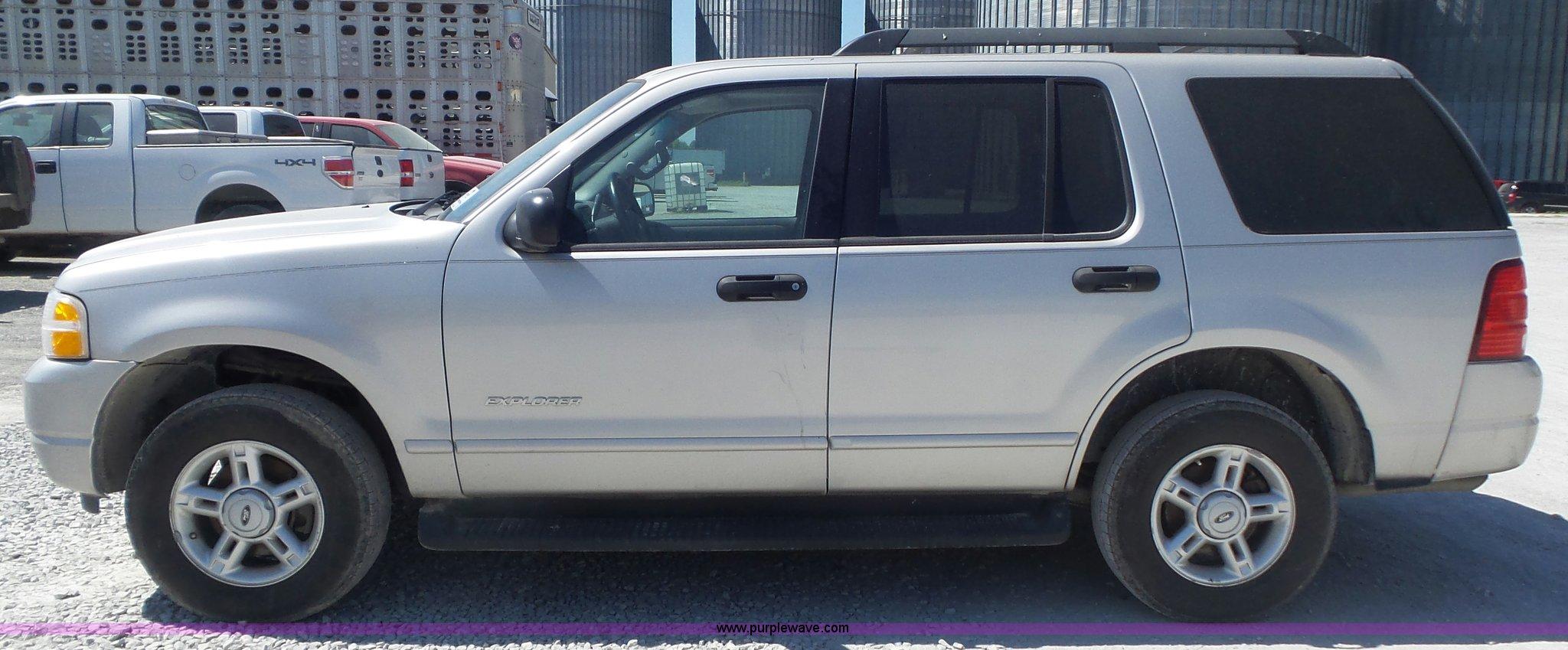 2005 ford explorer xlt suv full size in new window