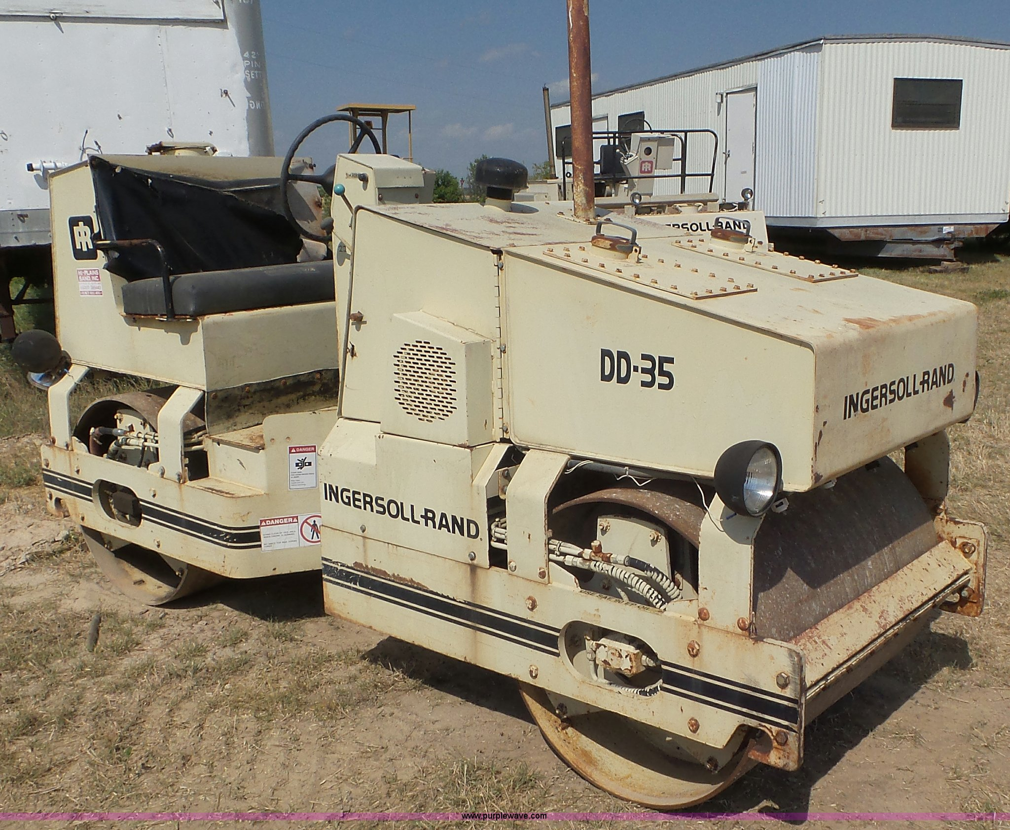 L5274 image for item L5274 Ingersoll Rand DD-35 double drum roller