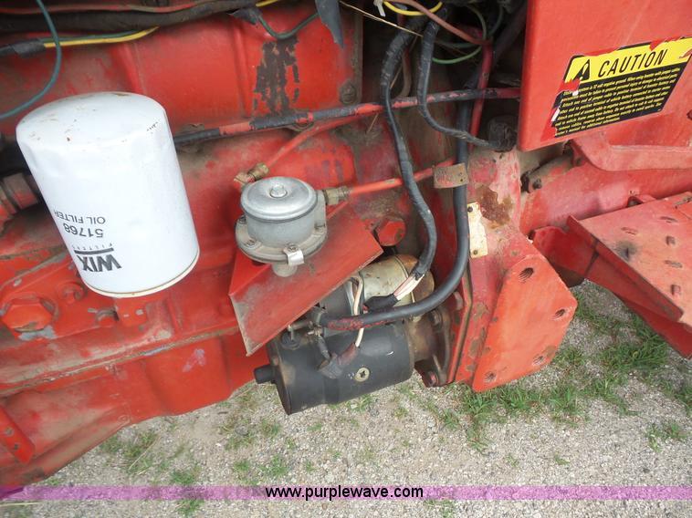 1971 International 454 tractor | Item L4924 | SOLD! July 20