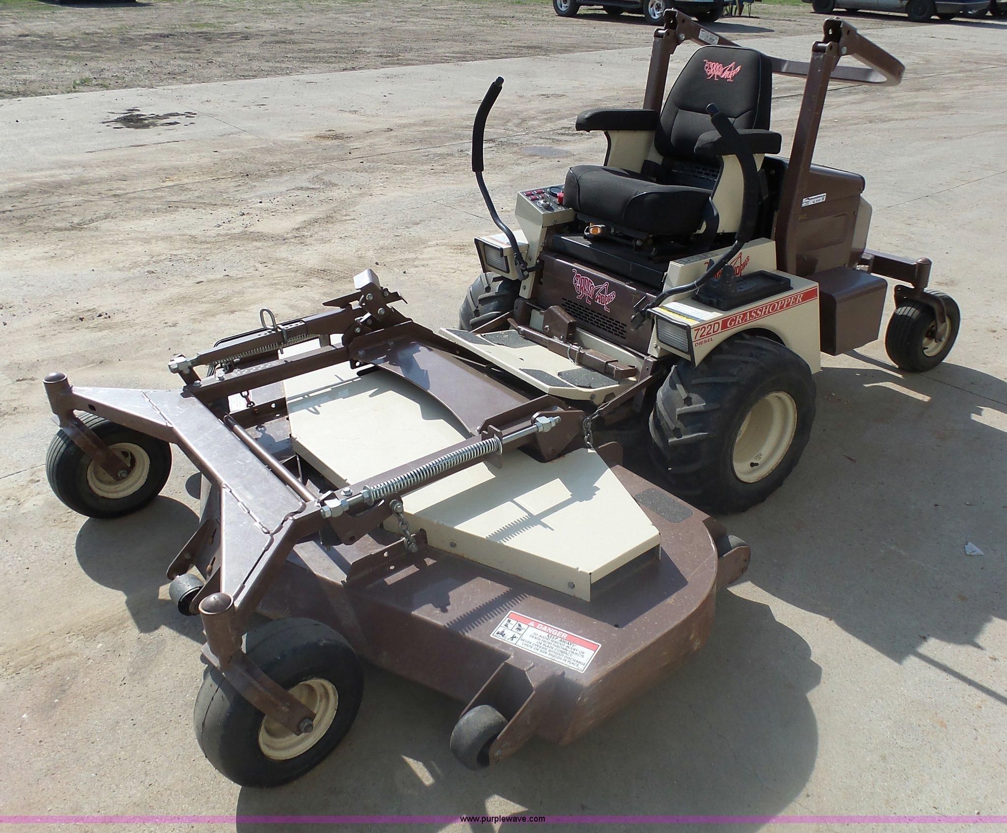 2010 Grasshopper 722D lawn mower   Item AL9147   SOLD! July