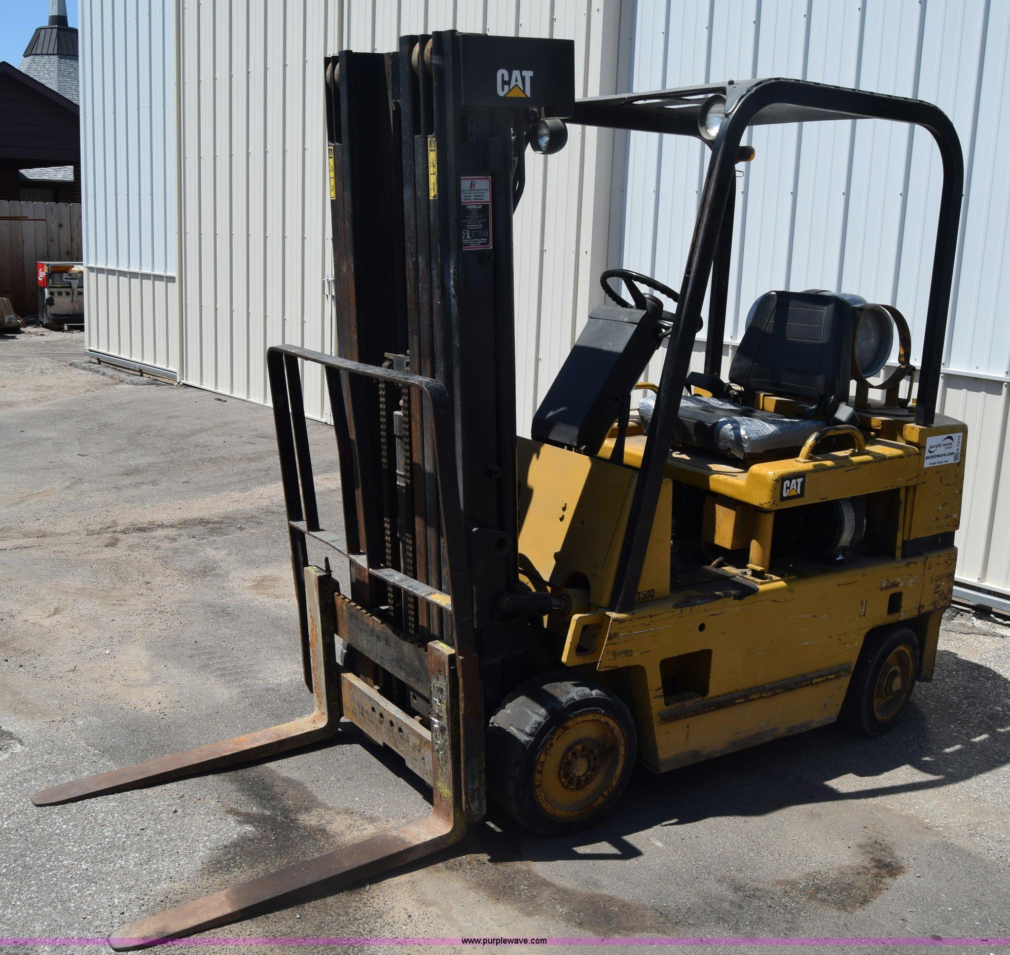 1990 Caterpillar T50D forklift | Item K7275 | SOLD! July 20