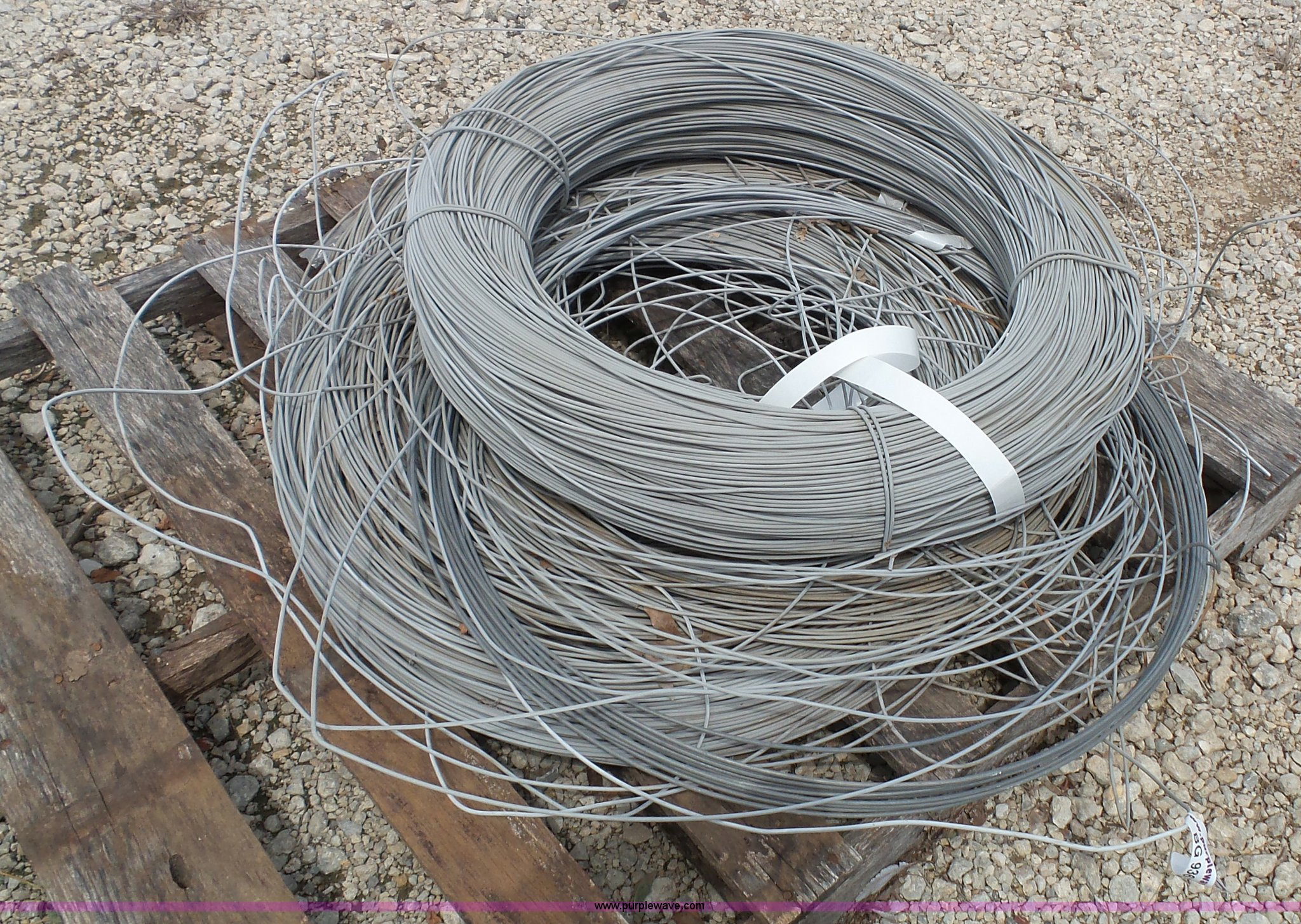 Vinyl aluminum coated wire   Item BG9363   SOLD! August 11 C...