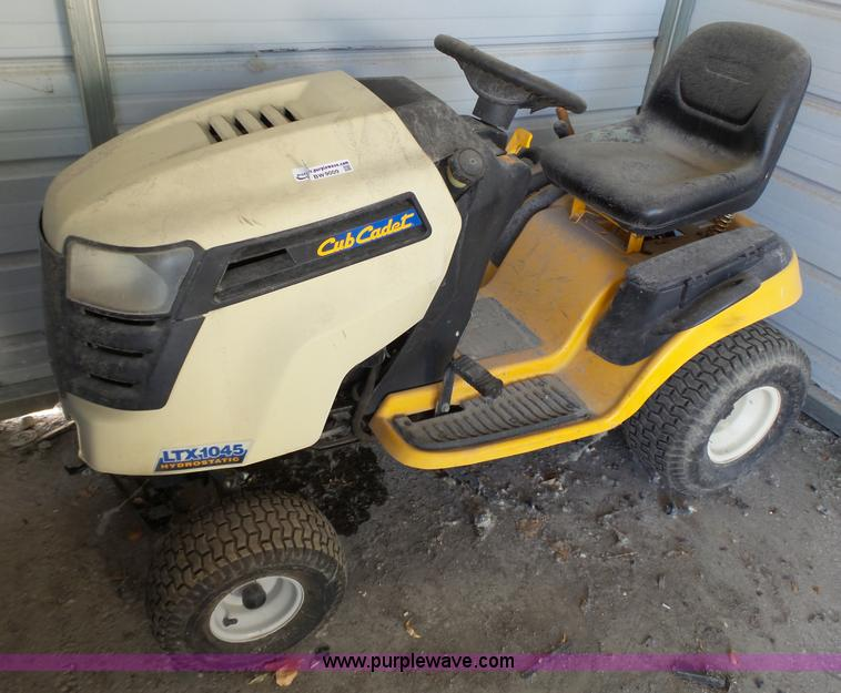Cub Cadet Ltx 1045 Lawn Mower