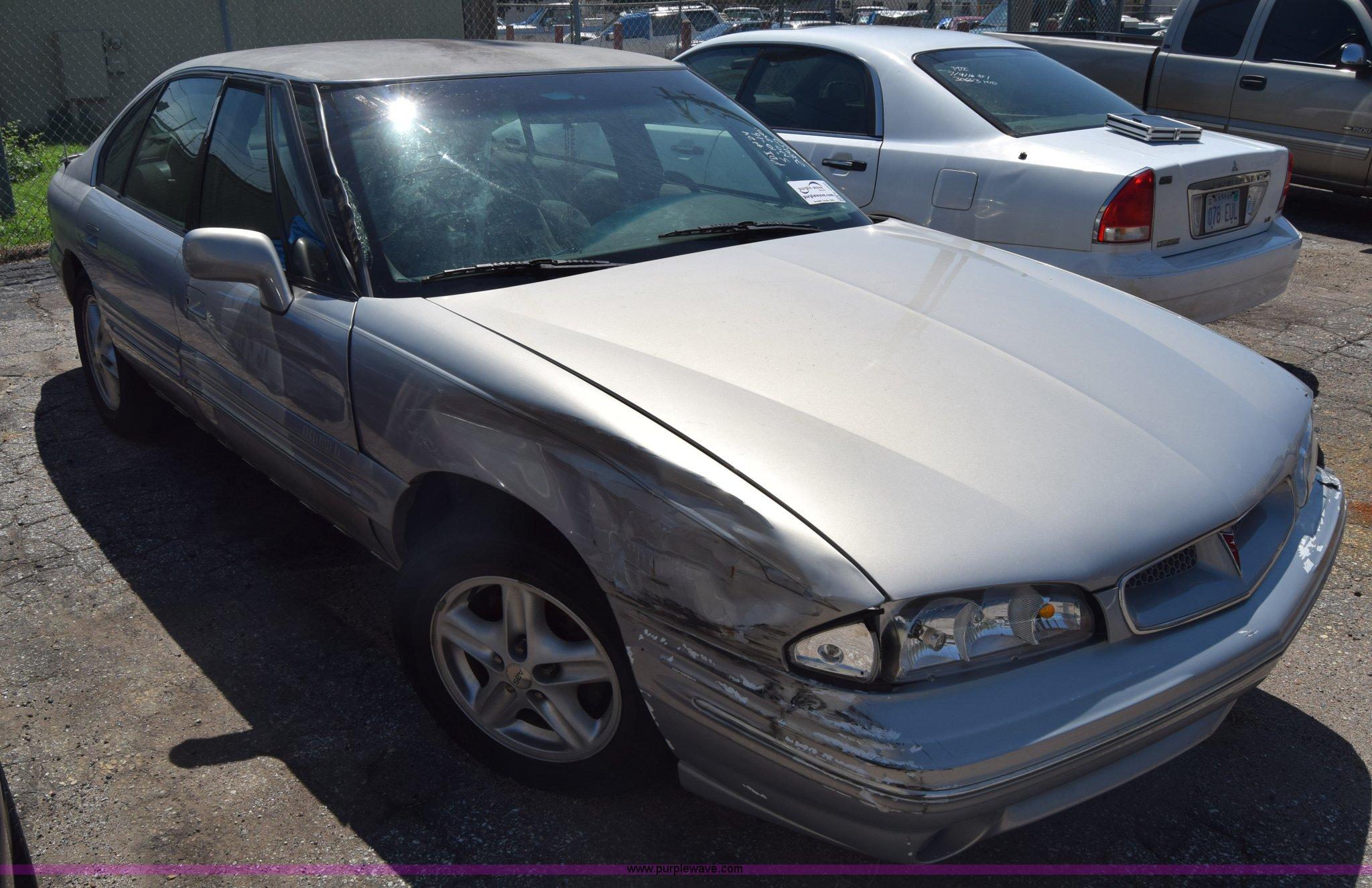 1998 Pontiac Bonneville Item K2900 Sold August 22 City