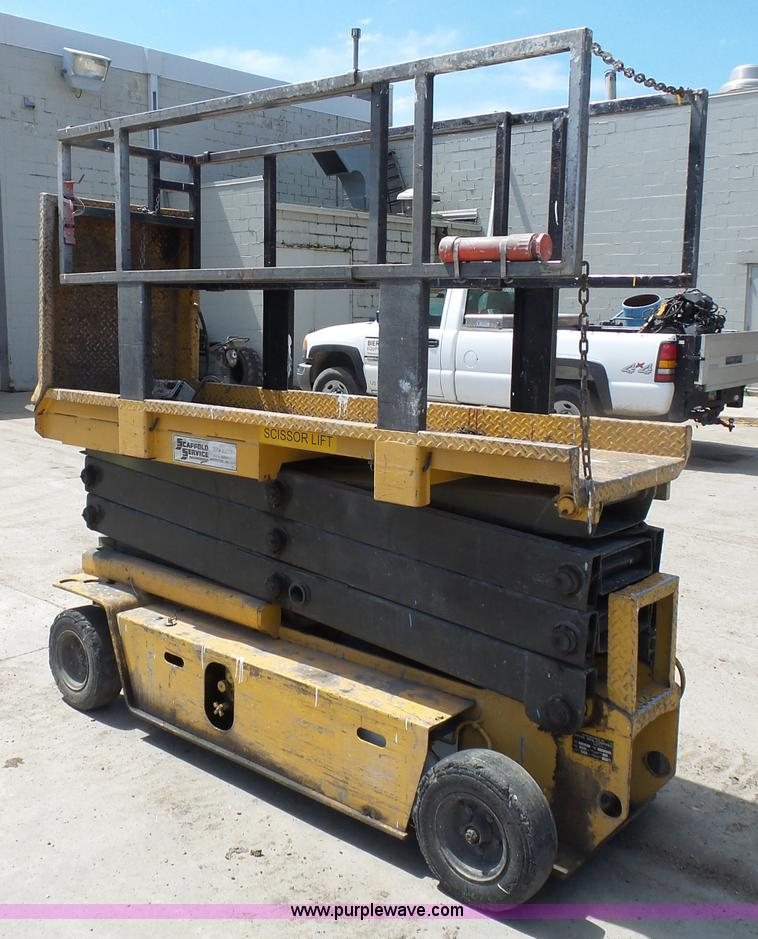 J1656D grove sm2633 scissor lift item j1656 sold! august 25 con