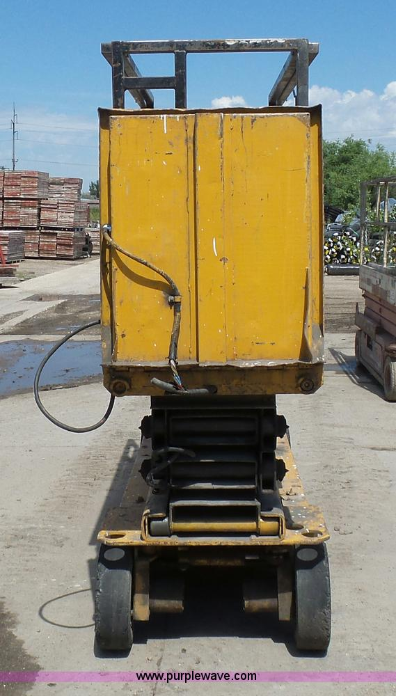 J1656G grove sm2633 scissor lift item j1656 sold! august 25 con