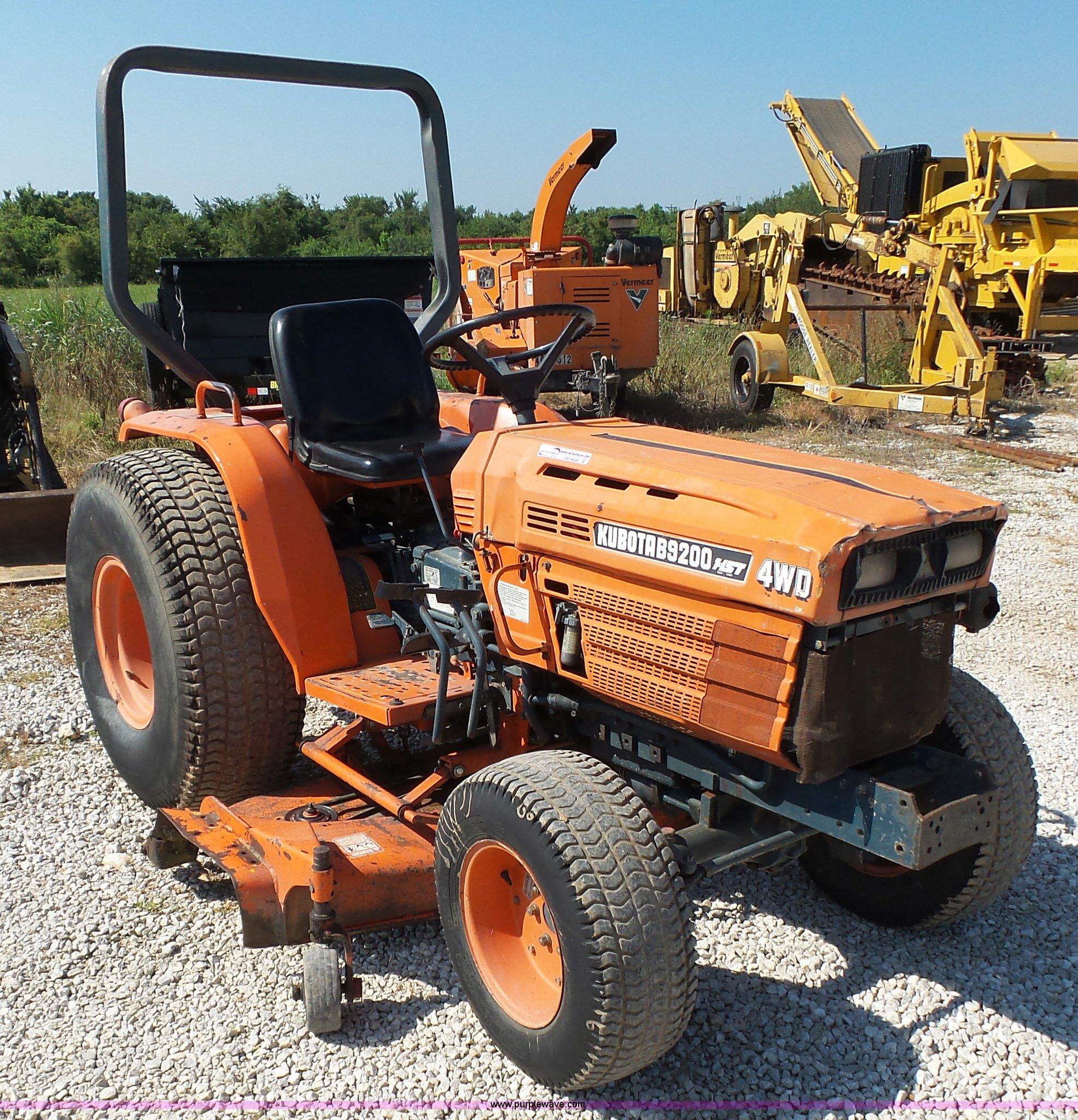 Kubota B9200 MFWD tractor | Item BM9696 | SOLD! August 25 Co