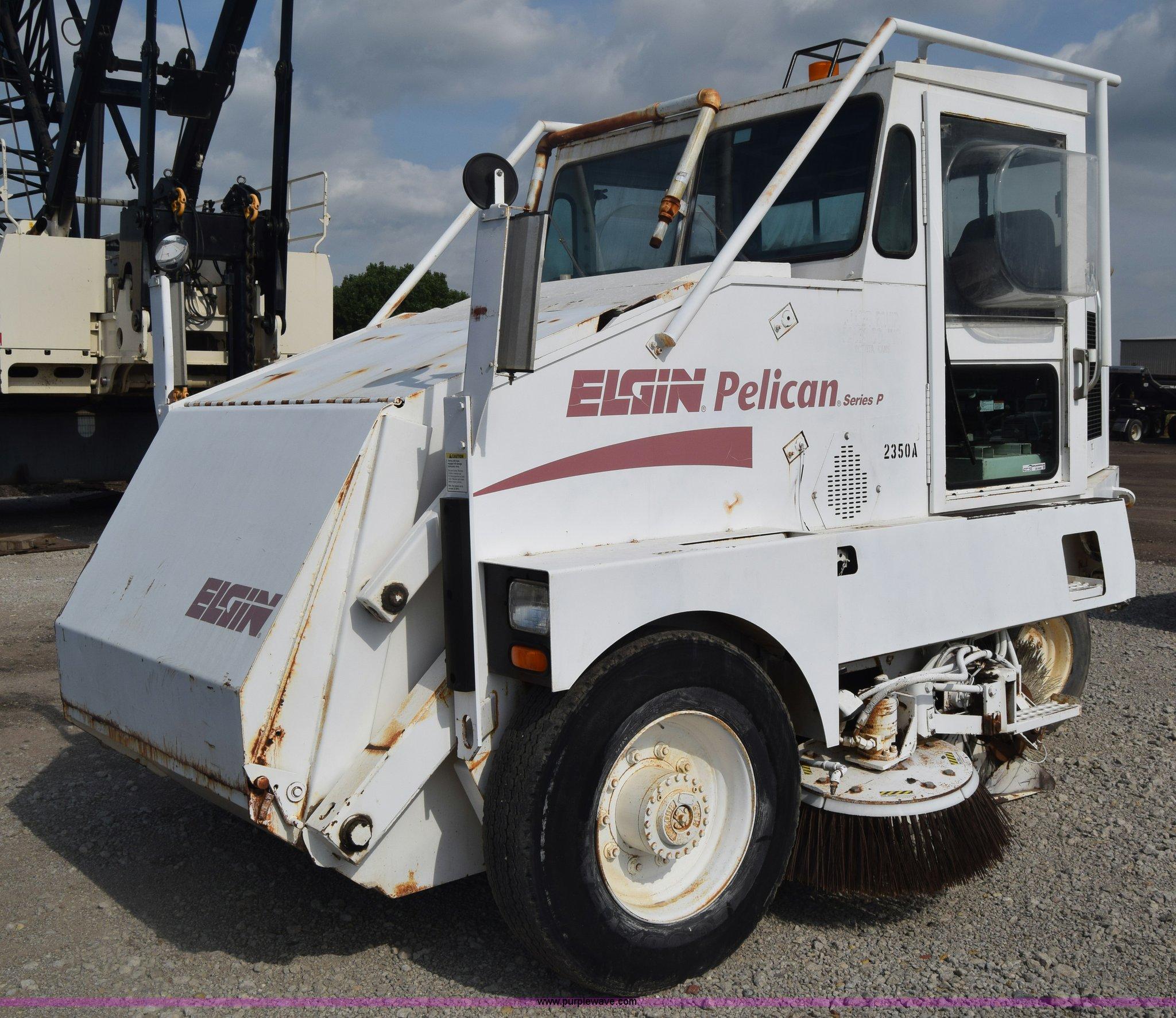 CB9430 image for item CB9430 1995 Elgin Pelican Series P street sweeper