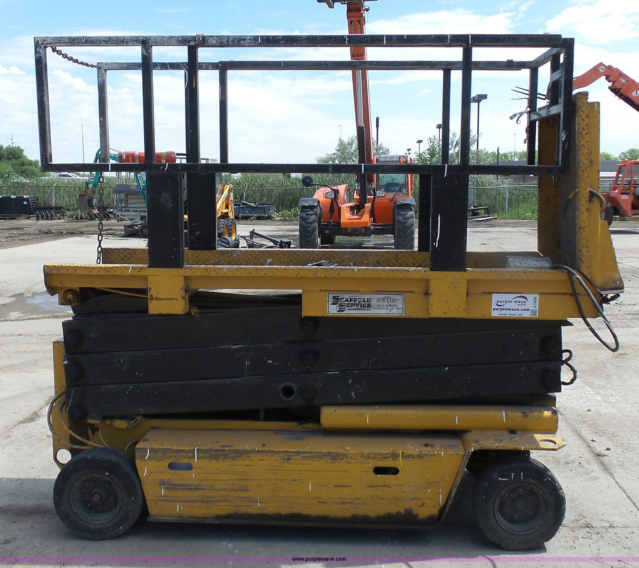 J1656A grove sm2633 scissor lift item j1656 sold! august 25 con