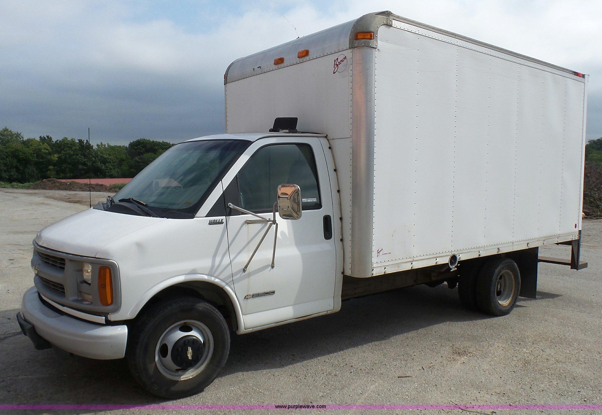 ebd5cea27a AV9851 image for item AV9851 2000 Chevrolet Express G3500 ...