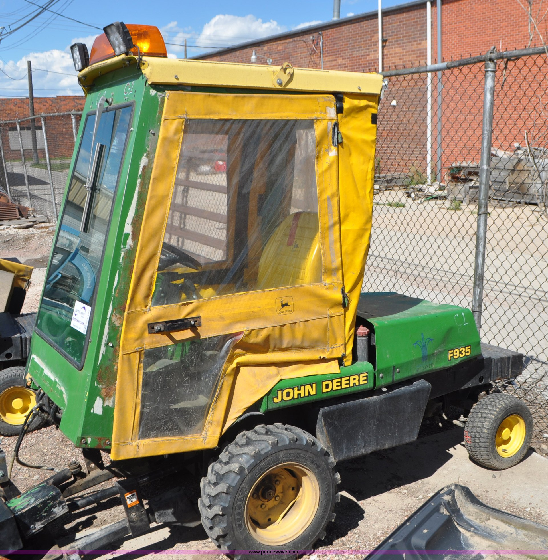 John Deere F935 lawn mower | Item G7457 | SOLD! September 13