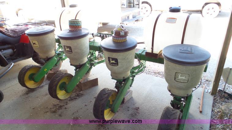 John Deere 71 Planter Item Da8765 Sold September 14 Ag