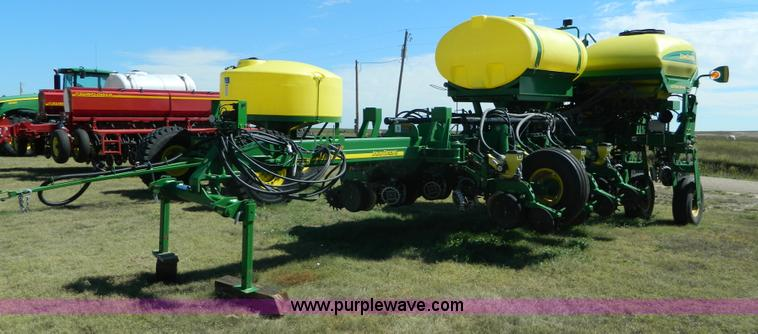 2008 john deere 1770nt ccs planter item j5110 sold sept rh purplewave com John Deere 7100 Planter Settings John Deere 290 Corn Planter