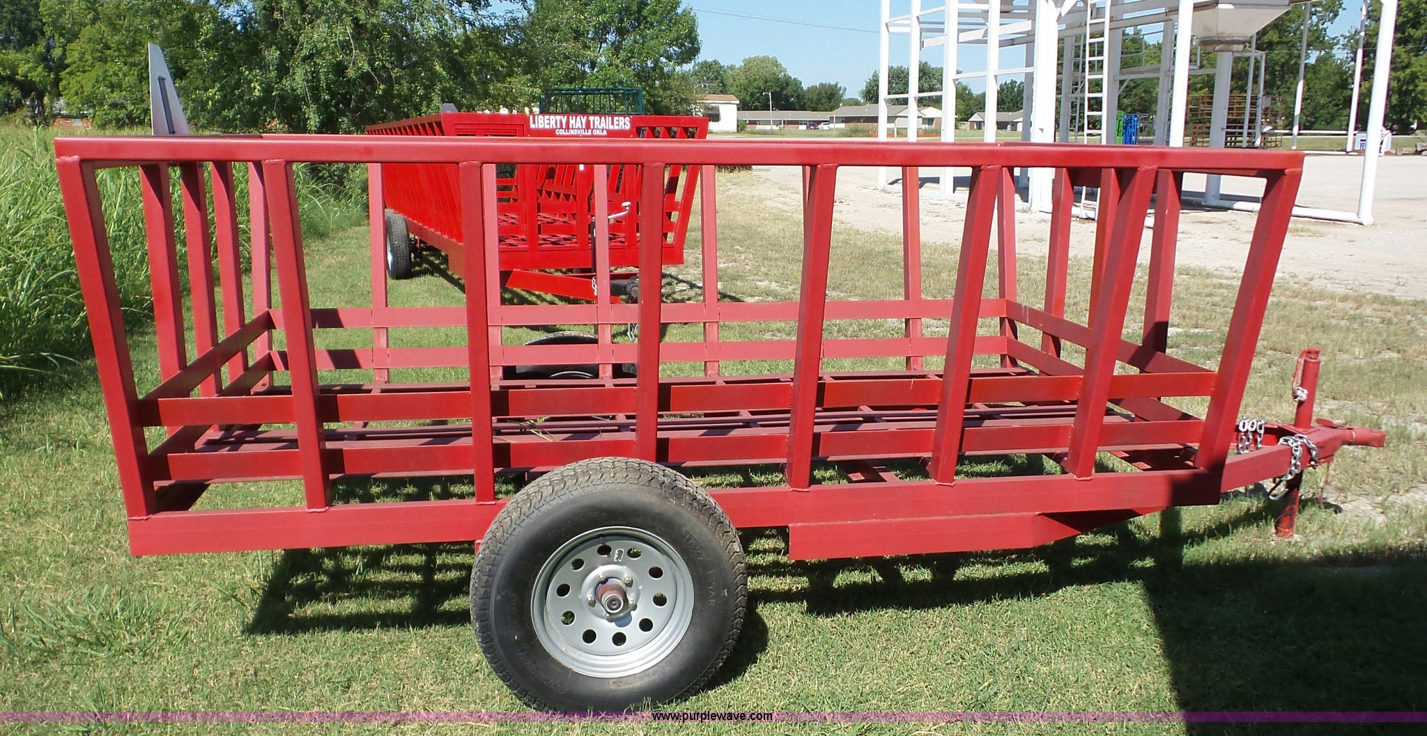 hedgewood htm pictures on wagon cattle please fencing hay feeds click feeder systems larger cattlefeed a for view