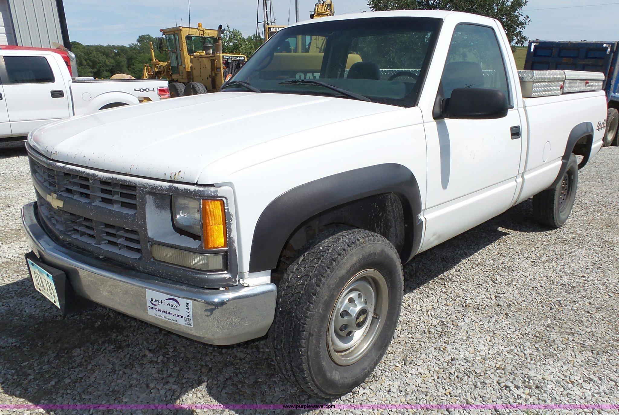 2000 Chevrolet K2500 pickup truck | Item K8455 | SOLD! Septe...