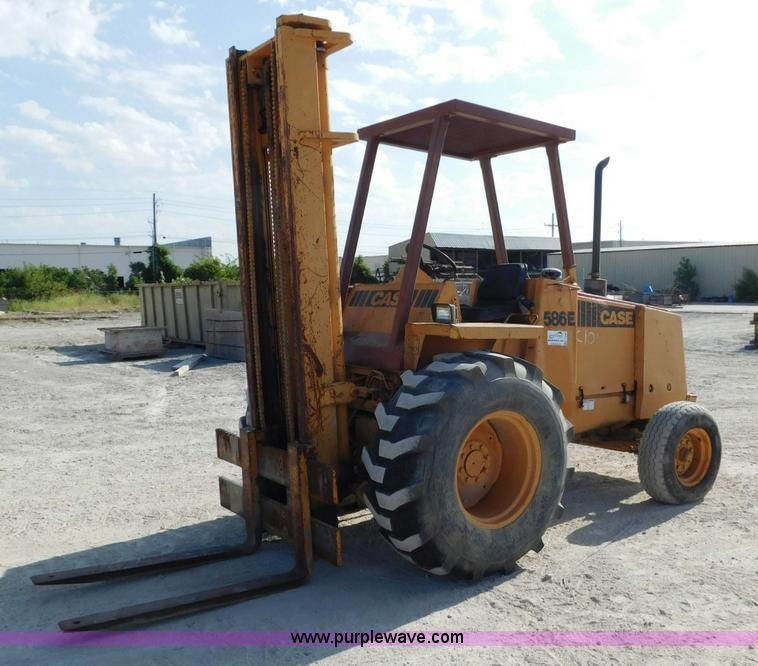 Construction Equipment Auction, Topeka, KS