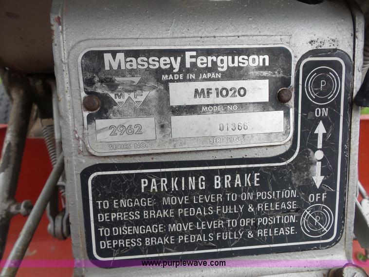 Massey-Ferguson 1020 tractor | Item BK9623 | SOLD! September