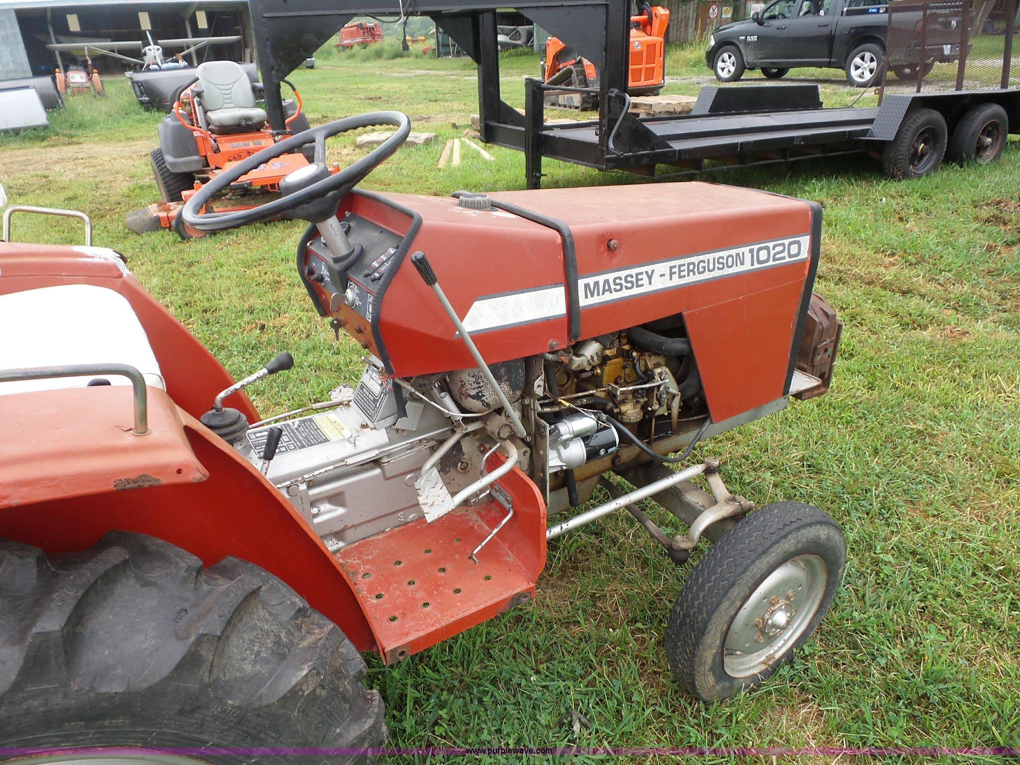 ... Massey-Ferguson 1020 tractor Full size in new window ...