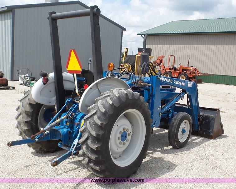 Ford 2810 tractor attachments specs.