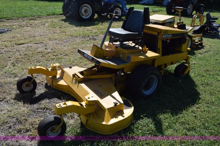 Hustler excel mower d905