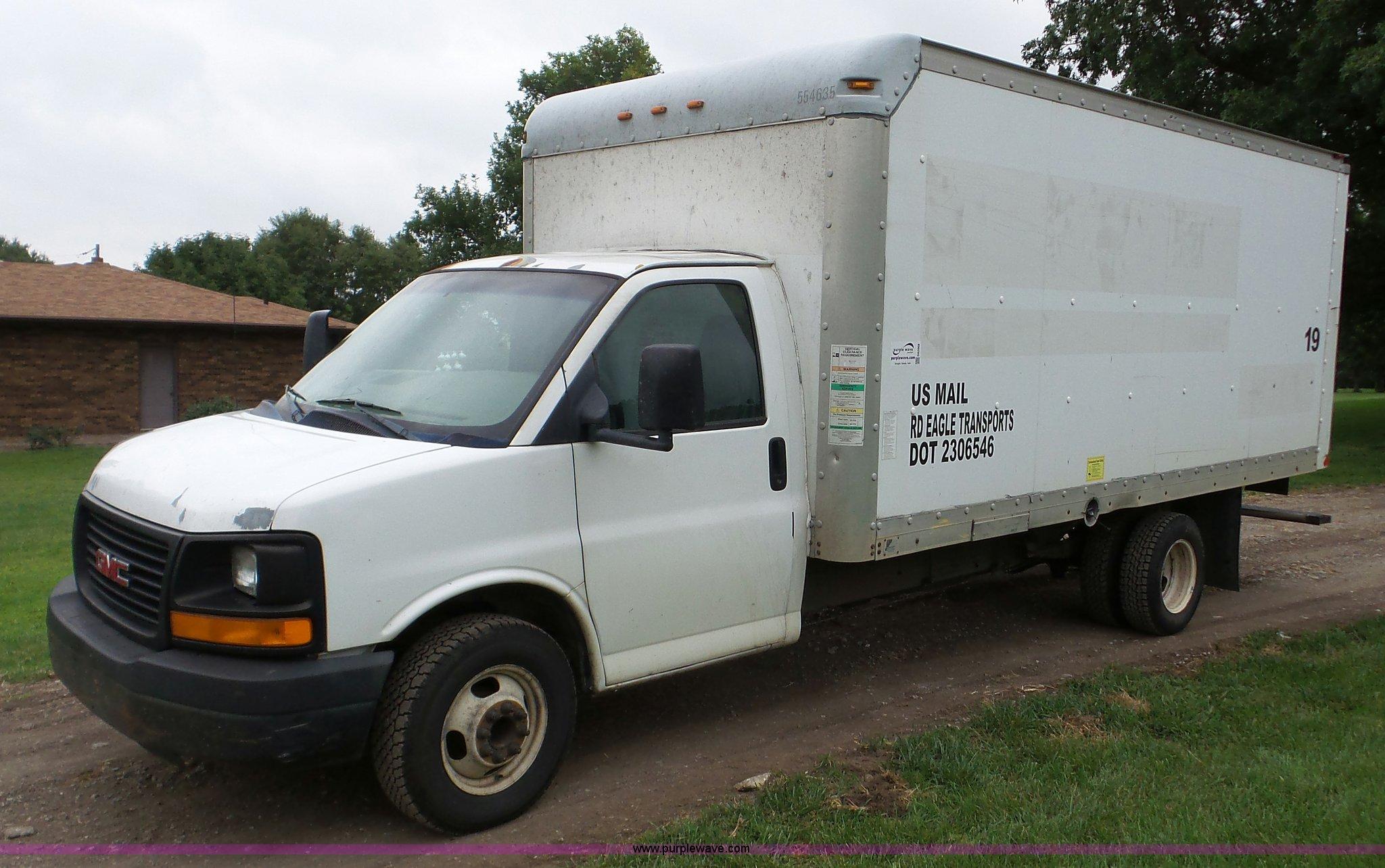 2005 Gmc Savana G3500 Box Truck Item Da2868 Sold Septem