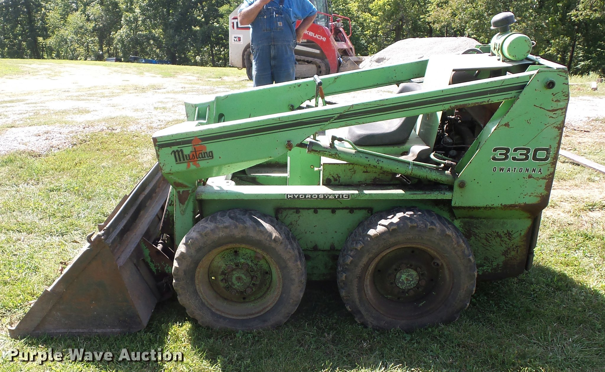 Mustang 330 skid steer | Item BG9707 | SOLD! September 29 Co